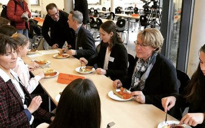 Ministerin Barbara Otte-Kinast an Projektschule der Vernetzungsstelle Schulverpflegung zu Gast